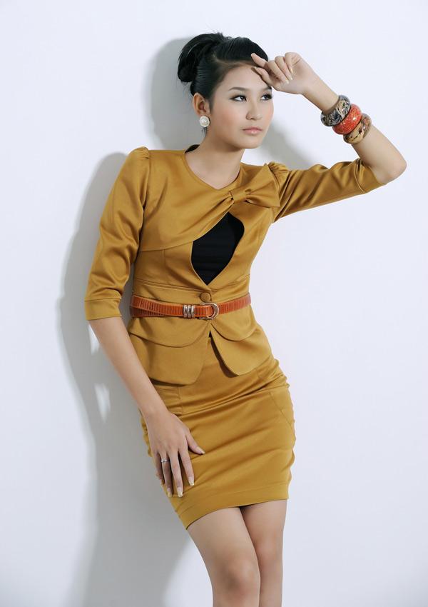 Tươi trẻ với vest điệu cho công sở Việt - 9