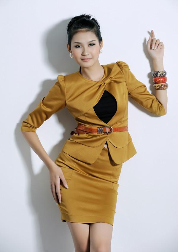 Tươi trẻ với vest điệu cho công sở Việt - 7