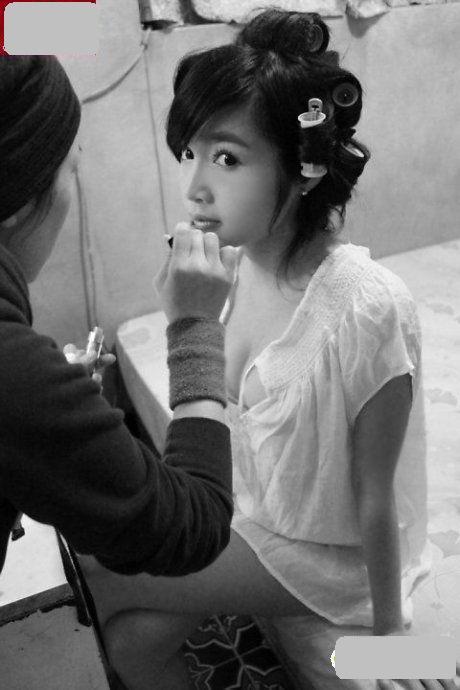 Elly Trần Hà khoe nội y sexy ở Trung Quốc - 9