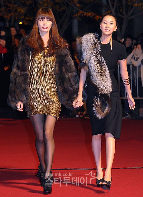 """Sao Hàn """"đốt tiền"""" vì váy Victoria Beckham - 11"""