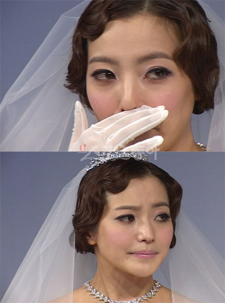 Kim Hee Sun khóc nức nở tại show áo cưới - 9