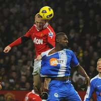 """Rooney trở lại: Khoan dung cho đứa con """"lạc lối"""""""