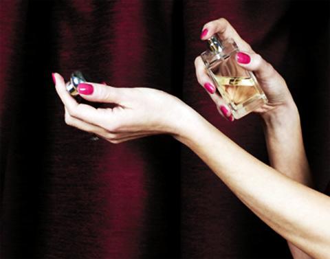 Cách sử dụng nước hoa thơm lâu - 2