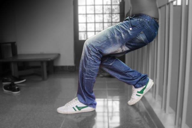 Mẹo giữ quần jean luôn mới - 7