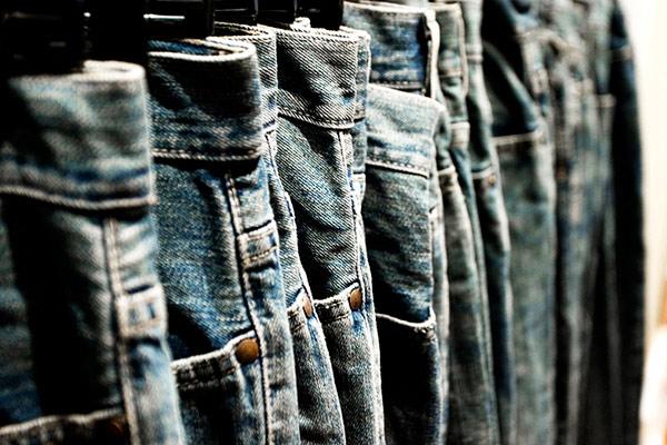 Mẹo giữ quần jean luôn mới - 1