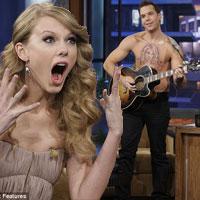 """Taylor Swift """"nằm trên ngực"""" đàn ông"""