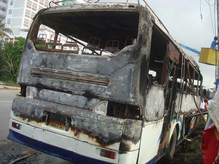 Xe khách 52 chỗ phát hỏa trong đêm - 2