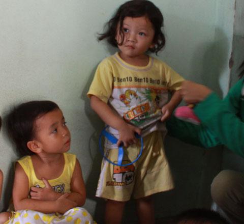 Bảo mẫu hành hạ bé 3 tuổi thú tội - 1