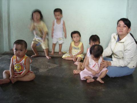 Bảo mẫu hành hạ bé 3 tuổi thú tội - 3