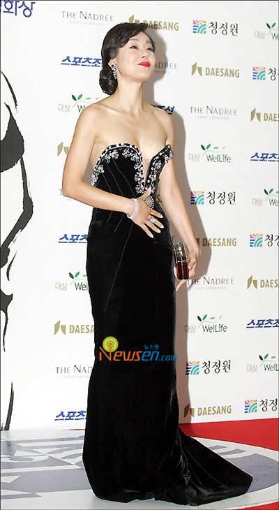 """Những kiều nữ sexy nhất của """"Oscar Hàn Quốc"""" - 10"""