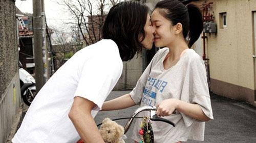 Những nụ hôn bất ngờ khép lại năm 2010 - 14