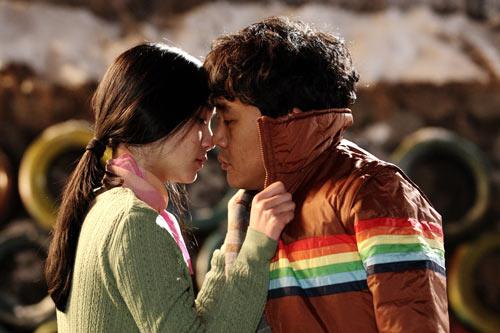 Những nụ hôn bất ngờ khép lại năm 2010 - 13