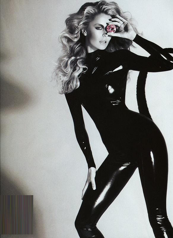 Hé lộ mỹ nhân sexy nhất thế giới 2010 - 3