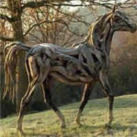 Động vật được điêu khắc bằng... gỗ