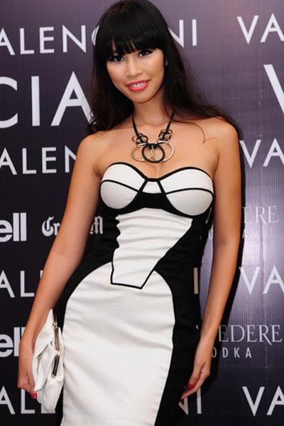 Sao Việt đẹp và chưa đẹp với váy quây ngực? - 15