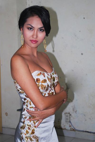 Sao Việt đẹp và chưa đẹp với váy quây ngực? - 37
