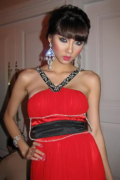 Sao Việt đẹp và chưa đẹp với váy quây ngực? - 18