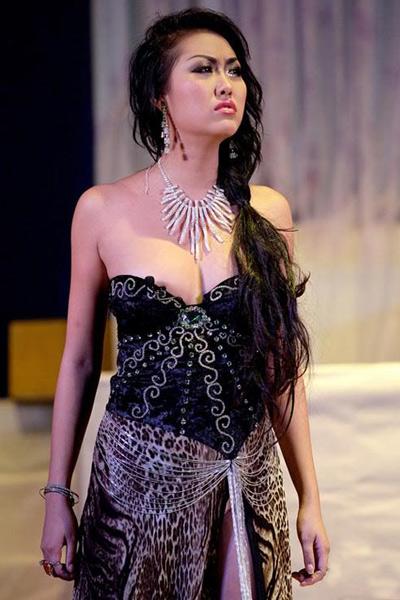 Sao Việt đẹp và chưa đẹp với váy quây ngực? - 38