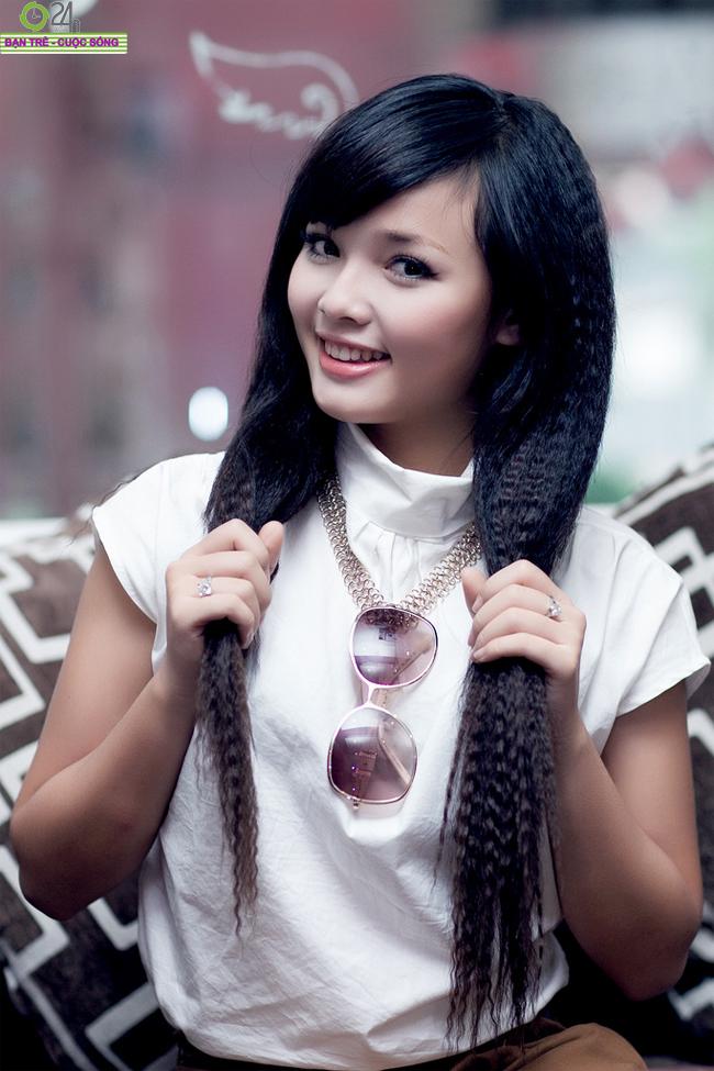 Việt Huê là cô gái có mái tóc xù mì đáng yêu nhất Miss