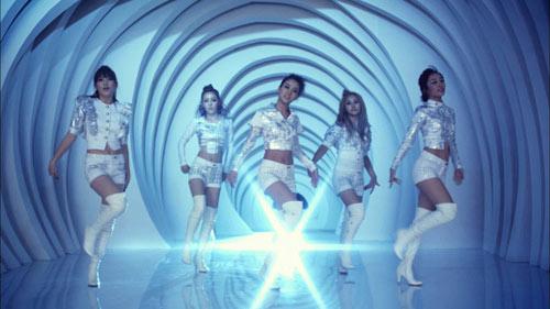 Ban nhạc thần tượng xứ Hàn phát âm sai cả từ kim-chi - 1