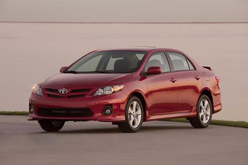 """Toyota Corolla 2011 có giá """"mềm"""" - 1"""