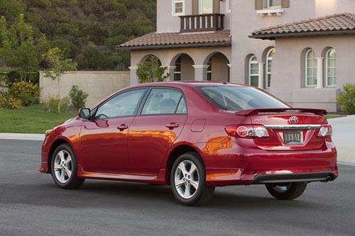 """Toyota Corolla 2011 có giá """"mềm"""" - 2"""