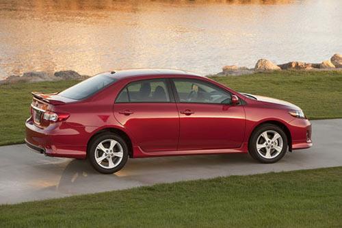 """Toyota Corolla 2011 có giá """"mềm"""" - 3"""