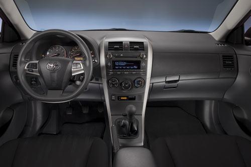 """Toyota Corolla 2011 có giá """"mềm"""" - 4"""