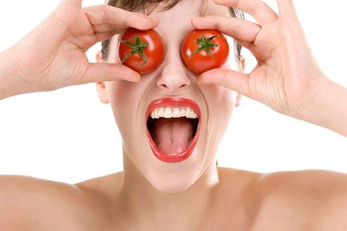 Giảm mụn bằng cà chua mùa này - 1