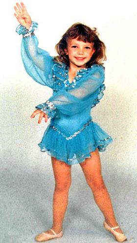 Britney Spears: Cuộc đời thăng trầm của công chúa nhạc pop - 1