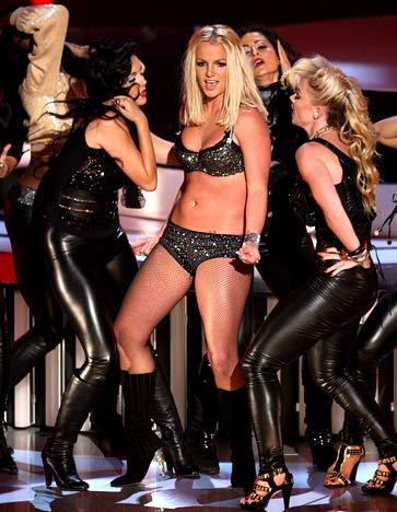 Britney Spears: Cuộc đời thăng trầm của công chúa nhạc pop - 10