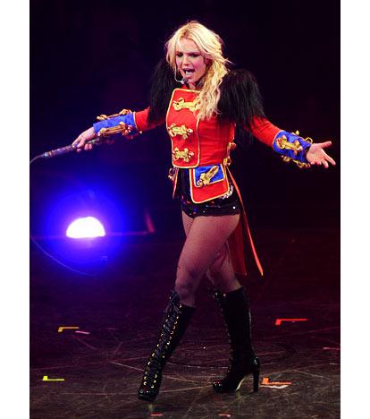 Britney Spears: Cuộc đời thăng trầm của công chúa nhạc pop - 13