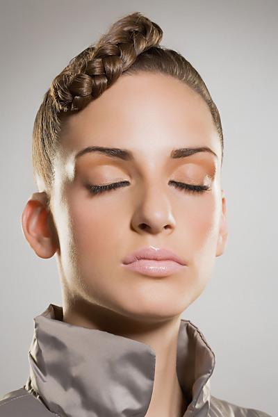 Video làm đẹp: 3 kiểu tóc tết dịu dàng - 1