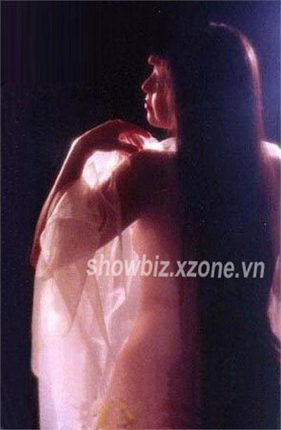 Diễm My lộ ảnh nude - 2