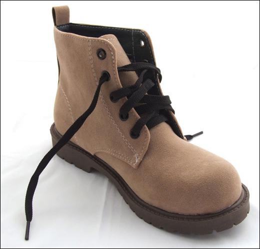 """Chọn giày siêu """"hot"""" mùa đông năm nay - 16"""