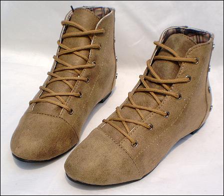 """Chọn giày siêu """"hot"""" mùa đông năm nay - 18"""