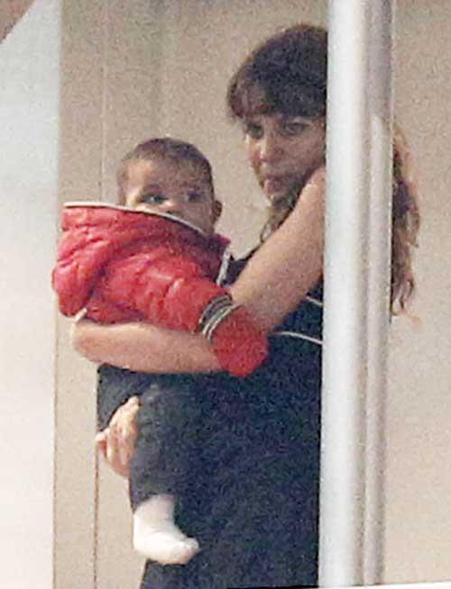 Con trai C.Ronaldo tới xem bố thi đấu - 2