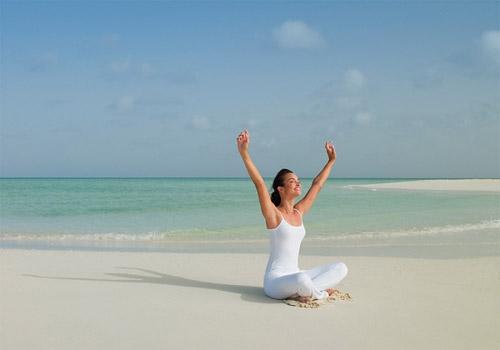 Video làm đẹp: Bài tập yoga toàn thân - 1