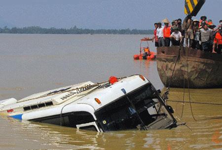 10 vụ tai nạn kinh hoàng nhất năm 2010 - 1