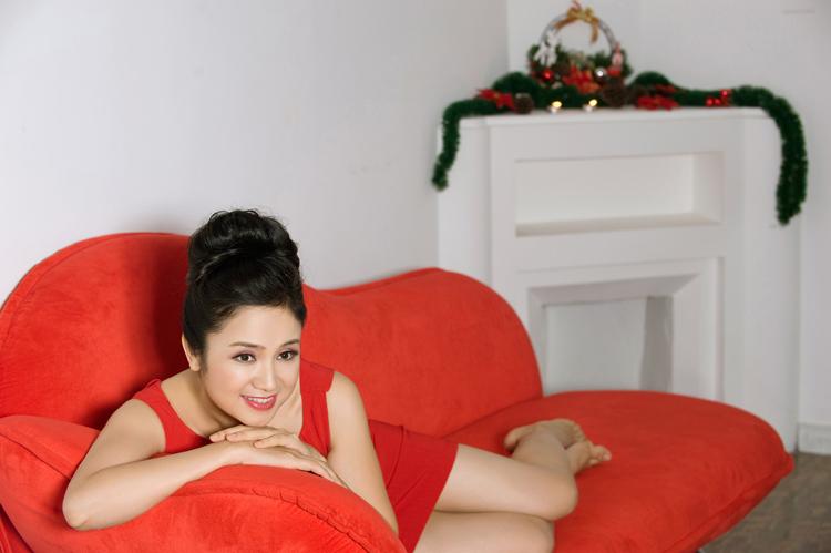 Thu Hà: Tuổi 40 vẫn tự tin diện váy ngắn - 10