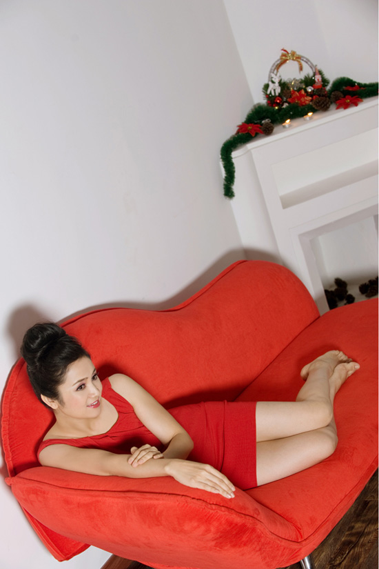 Thu Hà: Tuổi 40 vẫn tự tin diện váy ngắn - 13