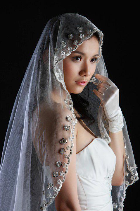 Tư vấn: Chọn váy cưới cho cô dâu đầy đặn - 2