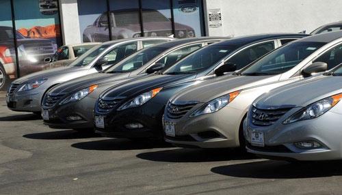 Lệ phí đăng kí ô tô sẽ tăng lên 20 triệu? - 1