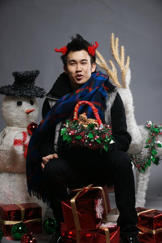 """Dương Triệu Vũ """"quậy"""" tưng bừng trong LK Noel - 1"""