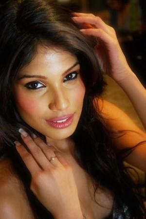 Lộ diện 5 Hoa hậu đẹp nhất 2010 - 4
