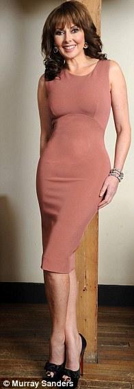 Bí quyết để 50 tuổi vẫn mặc váy bó hoàn hảo - 9