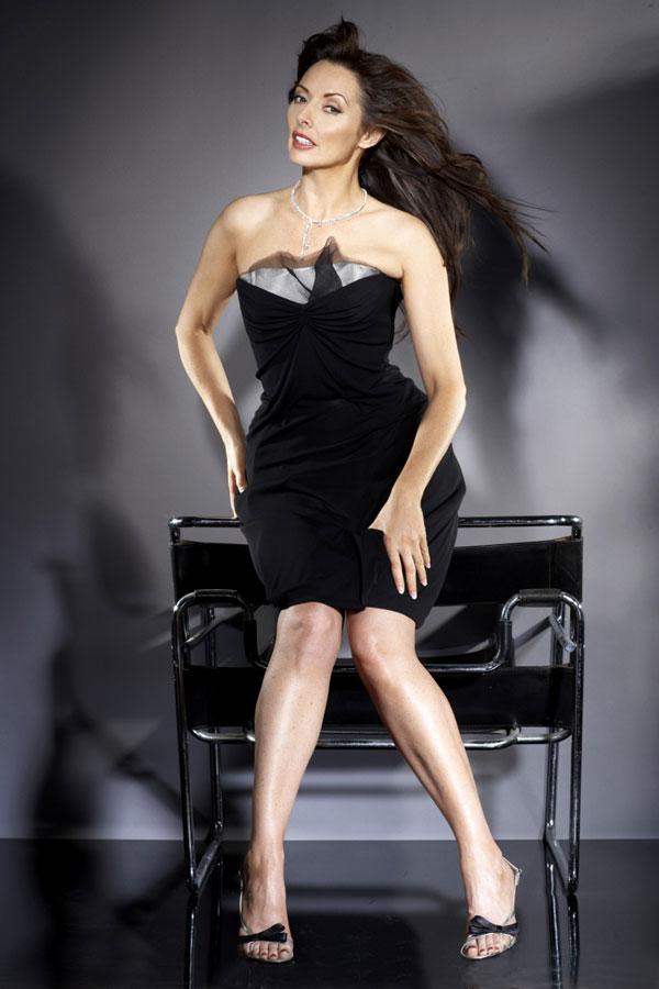Bí quyết để 50 tuổi vẫn mặc váy bó hoàn hảo - 4