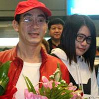 Lục Tiểu Linh Đồng đã đến Việt Nam