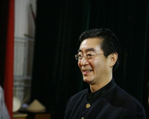 Lục Tiểu Linh Đồng múa gậy giao lưu cùng khán giả - 7