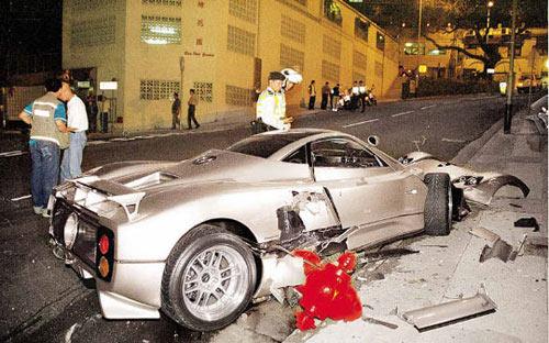 """Những vụ tai nạn xe hơi """"đắt"""" nhất thế giới - 2"""